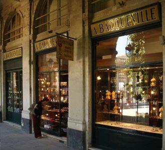 Maison Bacqueville : boutique du Palais-Royal (vitrines extérieures)