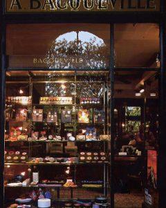 Maison Bacqueville : boutique du Palais-Royal (vitrine extérieure)