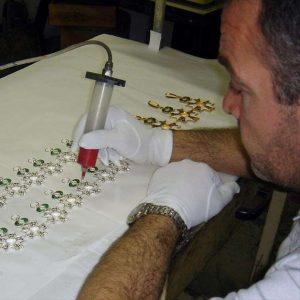 Fabrication de médailles : l'émaillage