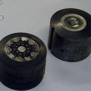 Fabrication de médailles : l'estampage