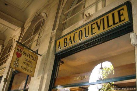 Maison Bacqueville : médailles et décorations civiles et militaires